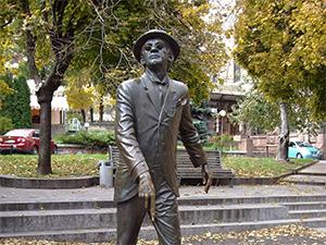 Пам'ятник Паніковcькому